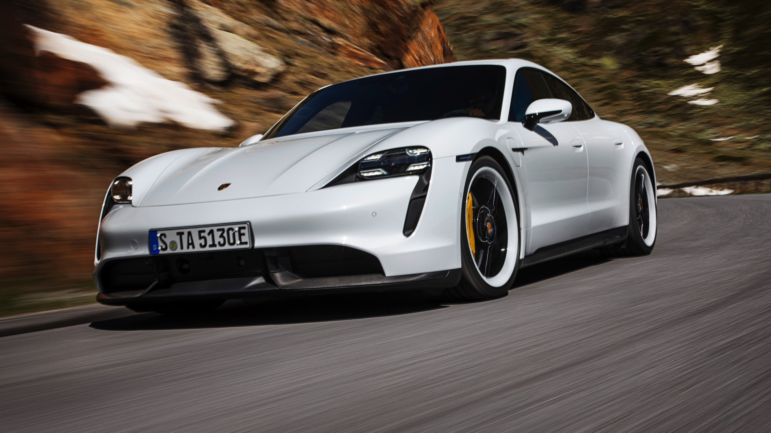 Porsche_Taycan_Turbo_S